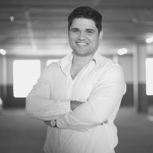 "Dana Pretorius | Co-Founder and Director of Outsourced CFO | <a href=""https://www.linkedin.com/in/dana-pretorius-b0b32537/"" target=""_blank"" rel=""noopener noreferrer""><i class=""fab fa-linkedin""></i></a>"